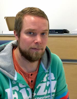 Lasiliirin lasiasinatuntija Timo Tukiainen