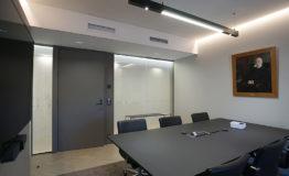 DIM Glass Rettig Groupin pääkonttorilla