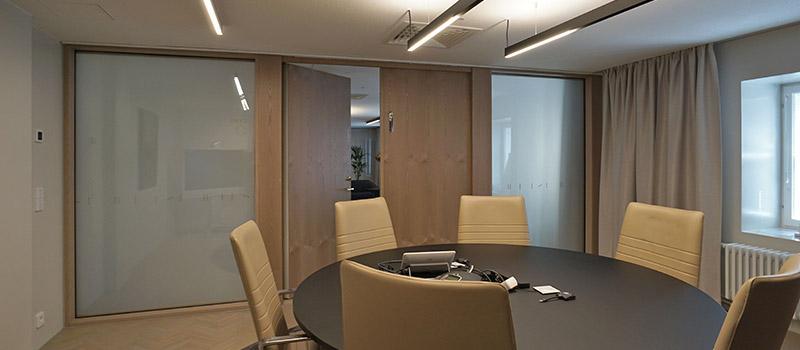 DIM Glass -älylasia Rettig Groupin toimitiloissa